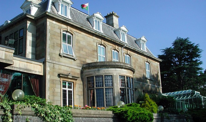 Det sydlige Wales, Wales, The Manor House