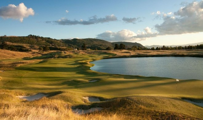 North Island, New Zealand, New Zealand, The Kinloch Club